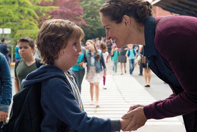Jacob Tremblay and Julia Roberts in Wonder